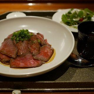 ローストビーフ丼(懐食みちば)