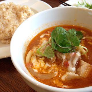 本日の煮込み(鶏肉と香草のトマト煮込み)(boji (ボジ))