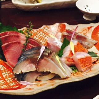 本日のお刺身の3種盛り合わせ(美酒美燗 煮りん 船橋店 )