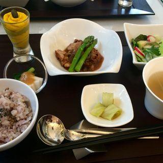 バランス満点ランチ(チキン)(オーガニックカフェ&パフェ 芦屋木麗)
