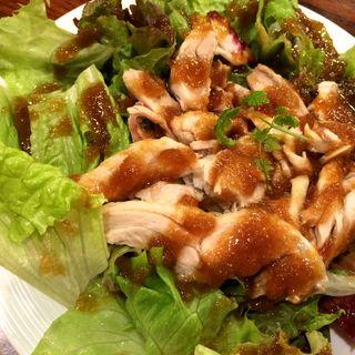 やわらか茹で鶏のサラダ(やきとり家 すみれ 高田馬場店 )