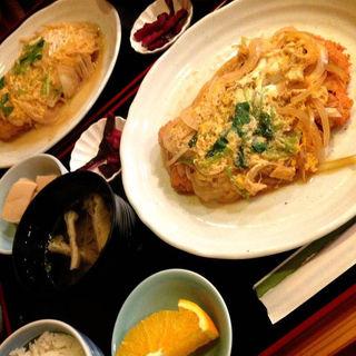 カツとじ定食(まはぜ )