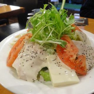 蒸し阿波尾鶏と豆腐のシーザーサラダ(地鶏焼鳥 阿波尾)