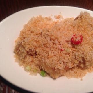 鶏肉の揚げガーリックフレーク(紫玉蘭 (シギョクラン))
