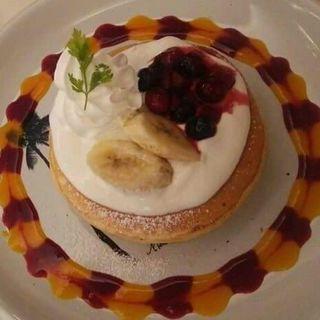 ミックスベリーのパンケーキ(モロコバー )