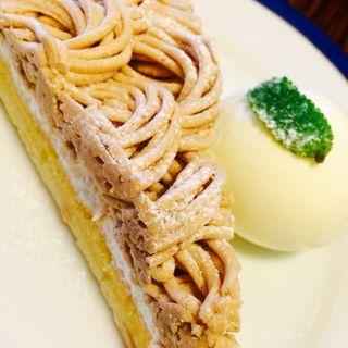 ケーキセット モンブランのタルト(ブーガルーカフェ 四条店 (boogaloo cafe))