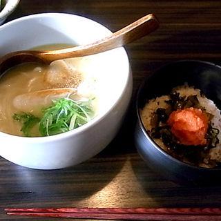 濃厚鶏スープうどん 明太子ごはん付(YAKITORI燃WEST (ヤキトリモエウェスト))
