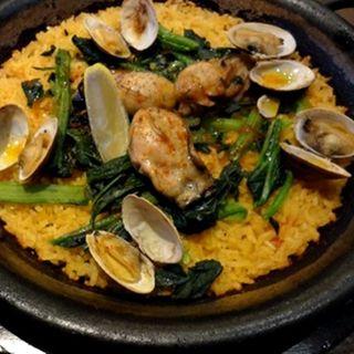 牡蠣とほうれん草のパエリアランチ(スペインバル バリオ (BARRIO))