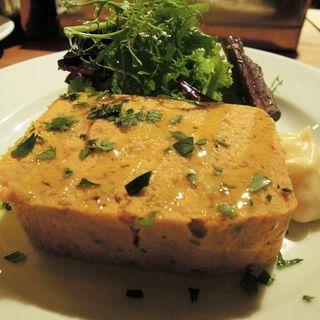 白身魚とアルベッキーナオリーブのパテ (Bar Maquó (Bar Maquo'))
