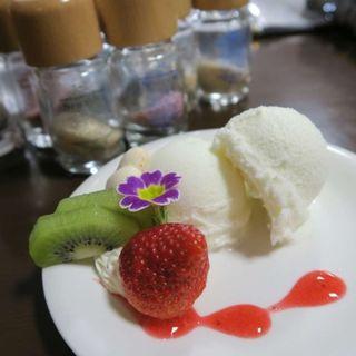 バニラアイス(花cafe (ハナカフェ))