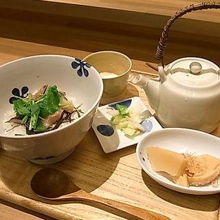 愛媛県産いさきの昆布和えだし茶漬け すだちの香り(Sweets えん 渋谷東急フードショー店 )