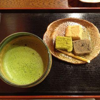 おうすとわらびもち(峯嵐堂 平安神宮店 (ホウランドウ))