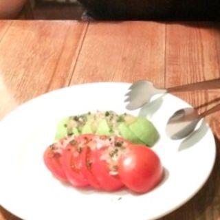 アボカドとトマトのマリネサラダ(ロイヤルガーデンカフェ  渋谷)