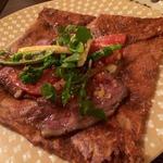 ローストビーフと季節の焼き野菜ガレット
