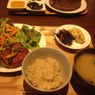 豆腐ハンバーグのセット(トライシクルカフェ)
