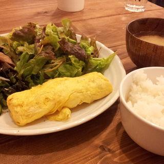 出し巻き卵と小鉢のごはんセット(たまゆらん )