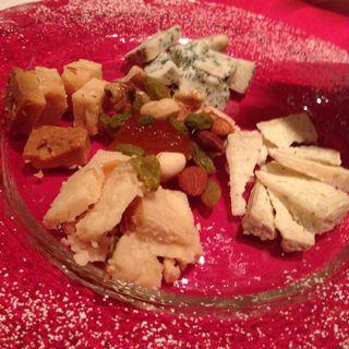 チーズの盛り合わせ(カメリーノ )