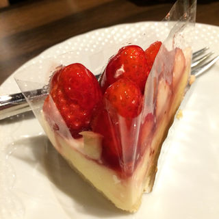 いちごのレアチーズケーキ(星乃珈琲店 阪急三番街店 )