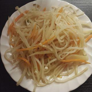 ジャガイモ千切り炒め(モンゴル料理GALA)