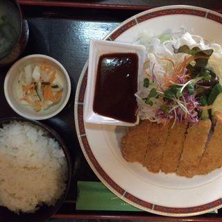 とんかつ定食(明日香 東加古川本店 )