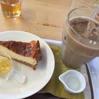 デザート(チーズケーキ)(ハナサクプラス )