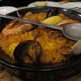 魚介類のパエジャ(スペイン料理銀座エスペロ みゆき通り店)