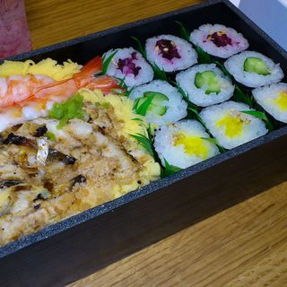 ちらし寿司と細巻(ひさご寿し 河原町本店 (ひさごずし))