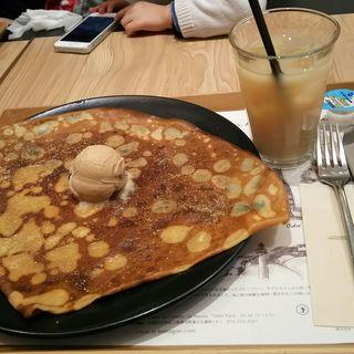 がレットきなこアイス乗せ(ブレッツカフェ 京都店 (BREIZH Cafe))