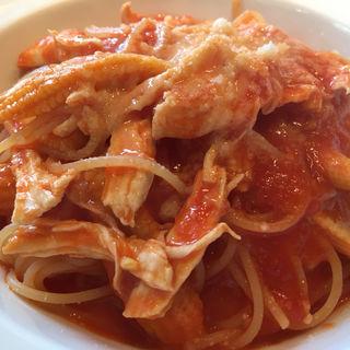 鶏肉とヤングコーンのトマトソース(トラットリアボッソ (Trattoria BOSSO))