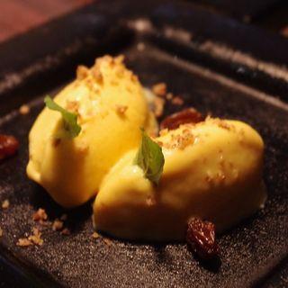ルクマアイスクリーム(ペルー料理 bepocah (ベポカ))
