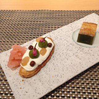 うなぎパイ羊羹仕立てと桜薫るうなぎパイミニ(ウナギパイ カフェ トウキョウ (UNAGI PIE CAFE TOKYO))