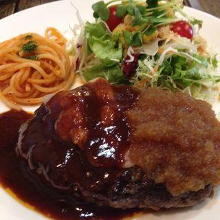 ハンバーグライス(AKAI TORI (アカイトリ))