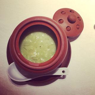 蟹とアボカドのスープ(華都飯店 (シャトーハンテン))