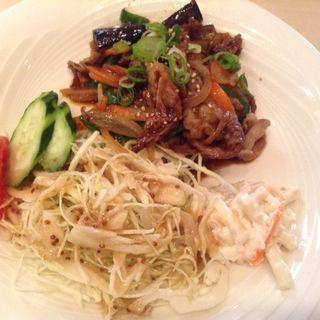 牛肉と野菜炒めランチ(焼肉レストラン あしん )