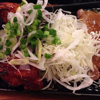 厚切り!豚の生姜焼き&鶏の甘辛揚げ定食(串あげBANZAI 八重洲地下街 (バンザイ))