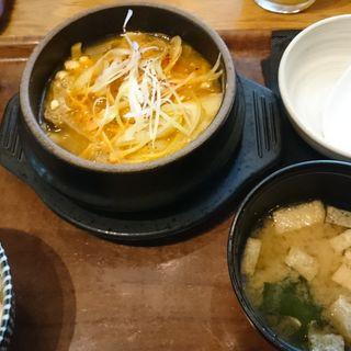 豚キムチチゲ定食(カスミガセキ )