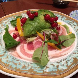 アボガドと肉厚生ハムのサラダ(柳井 )