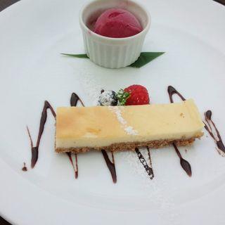 ニューヨークチーズケーキと季節のアイス(Course Lunch)(サンス コロニアルビーチ (SENS Colonial Beach))