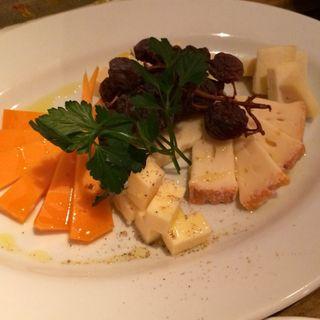 チーズ5種盛り合わせ(ピュアリー)