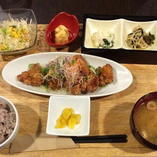 若鳥の竜田あげ 柚子塩ぽん酢定食(梅田 阪急三番街 リバーカフェ (RIVER CAFE))