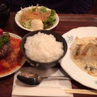 選べるセットメニュー(煮込みシチューハンバーグ&白身魚のクリームソテー)(金閣寺 いただき (【旧店名】いただきsecond))