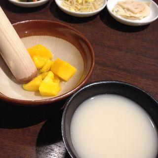 すりばちマッコリマンゴー(まだん 三宮店 )