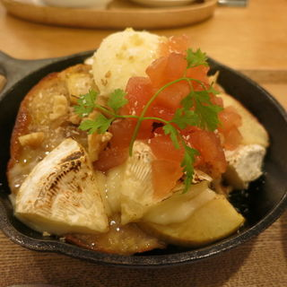 米粉ベーグルとカマンベールのフレンチトースト(ウェルカムカフェ (WELCOME CAFE 【旧店名】shiba cafe))