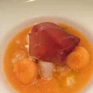 赤肉メロンとチーズ、生ハムとホタテのスープ(キハチ 名古屋店 )