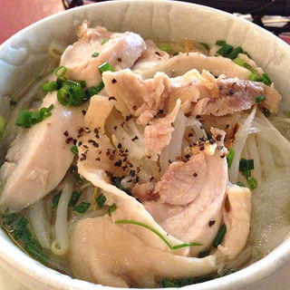 本日のミニ丼&ミニフォーランチ(ニャー・ヴェトナム)