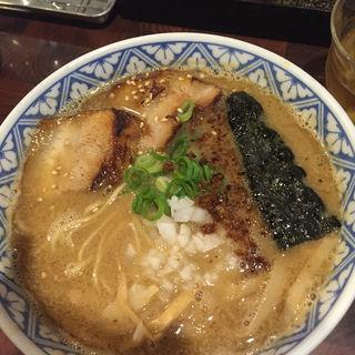 濃厚豚骨らーめん(麺や庄の gotsubo)