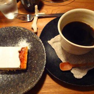 ベイクドチーズケーキ(木と根 (kitone))