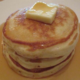 パンケーキ バターとメープルシロップ(Rokujian (ロクジアン))