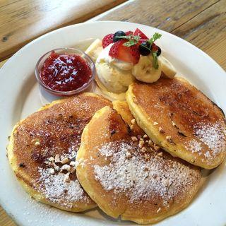 ストロベリーバナナフレンチパンケーキ(3枚)(ジェイエス パンケーキカフェ 青山店 (j.s. pancake cafe))
