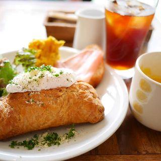 エッグ&ミートパイのランチ(Tea room mahisa motomachi (ティールームマヒシャ 【旧店名】マドマド))